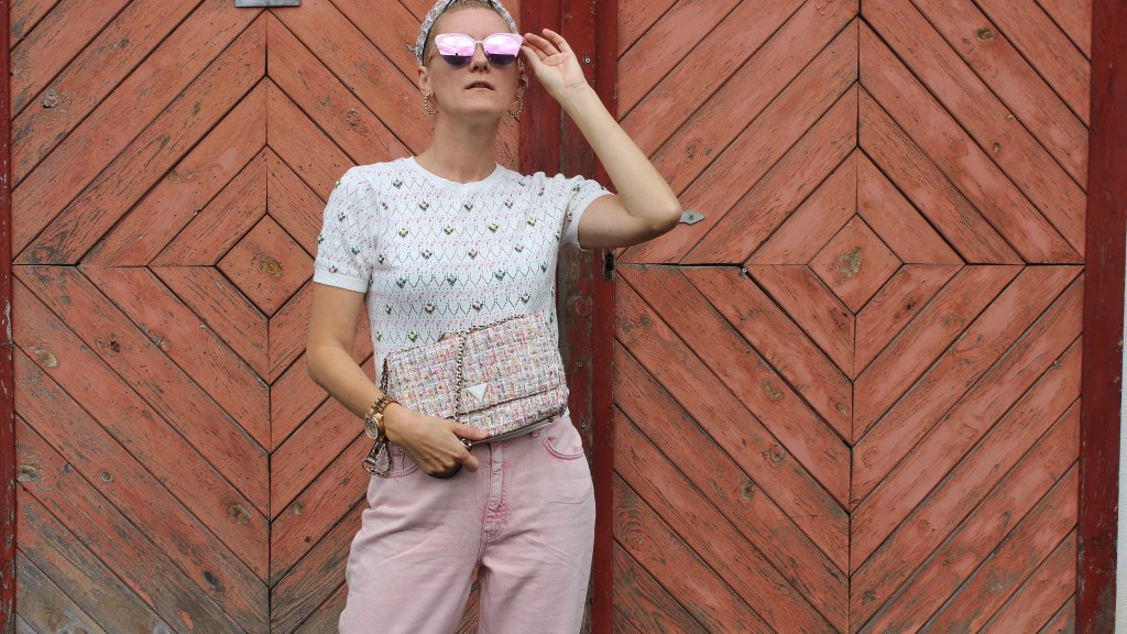 MoM Jeans-Nakd Fashion-Pinke Jeans-Guess Tasche Tweed-carrieslifestyle-Tamara Prutsch