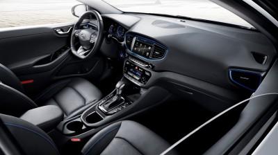 IONIQ A Leap Forward for Hybrid Vehicles_interior (1841 x 1032)