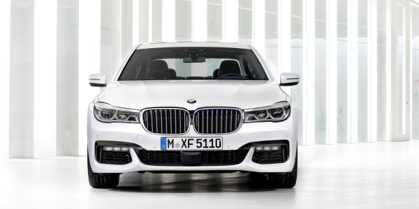 P90183753_highRes_the-new-bmw-7-series (1754 x 1169)