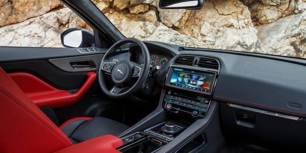 Jaguar-F-Pace_S-2017-1600-75