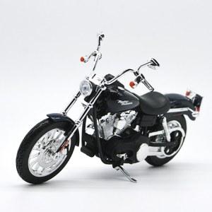 Moto Harley Davidson 2006 FXDE Dyna Street Bob / 1:12