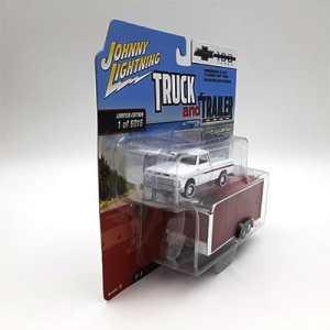 Chevy Pickup Color Blanco con remolque