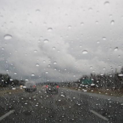 pioggia_su_vetro