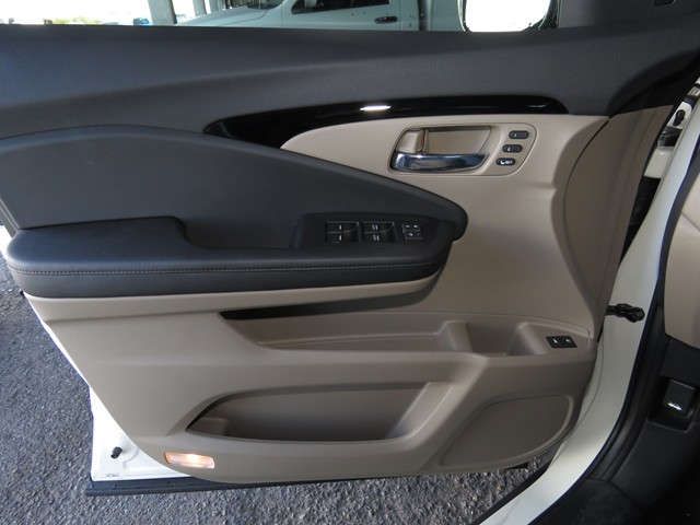 honda pilot captains chairs office chair lift new 2019 touring w rear h1901410 image loading chevron left