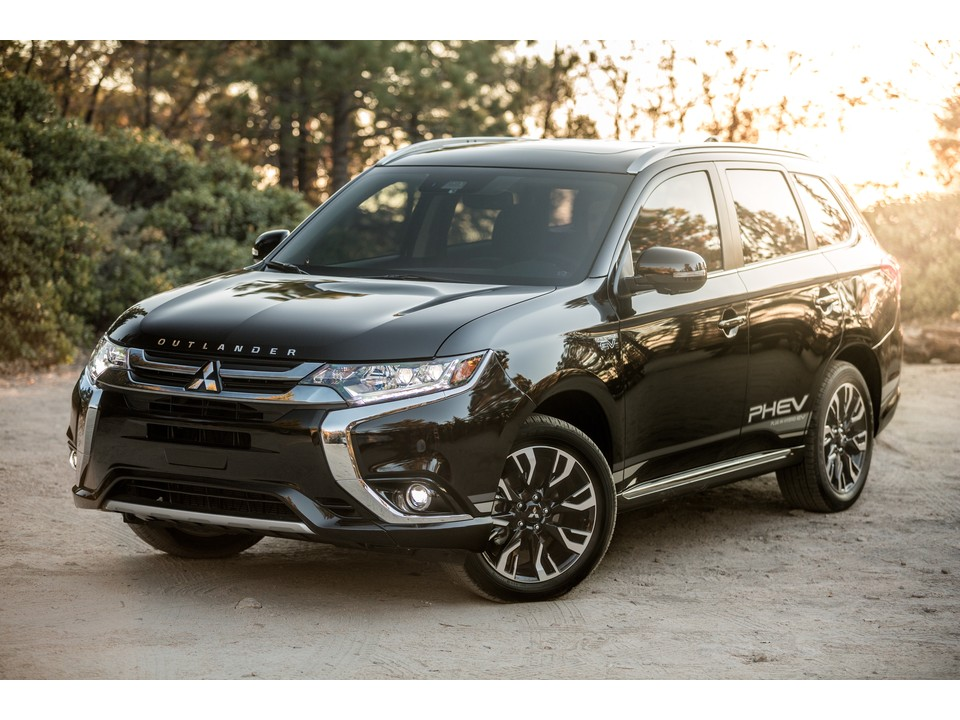 2019 Mitsubishi Outlander GT S-AWC Specs and Features | U.S. News & World Report