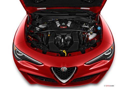 2019 Alfa Romeo Stelvio: Engine