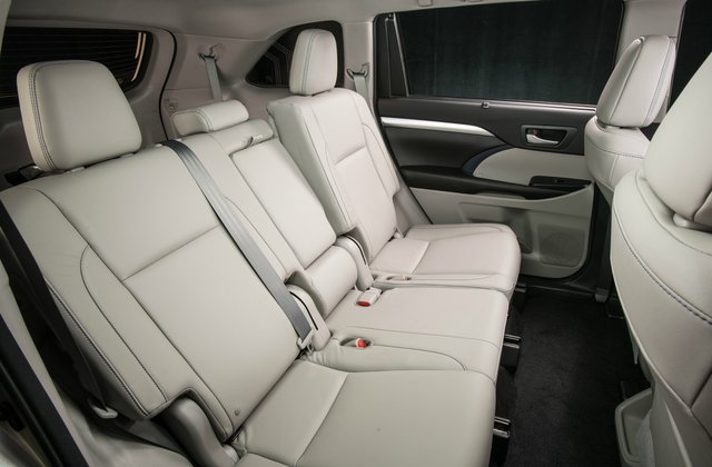 toyota 4runner captains chairs clear vanity chair 2018 ford explorer vs highlander head to u s news world report