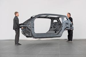BMW-i3-carbon-fibre-passenger-compartment