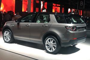 Land_Rover-Discovery-Sport-Paris-Auto_Show-2014