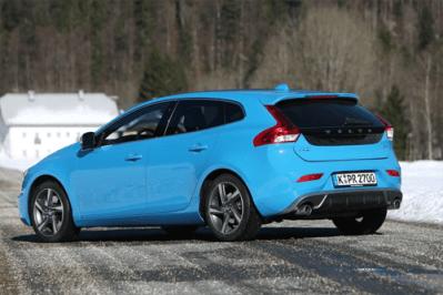 European-auto-sales-statistics-2015-full-year-Volvo_V40