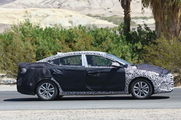 6th gen Hyundai Elantra spy shot