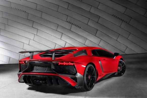 Lamborghini-Aventador-SV-Carscoops9