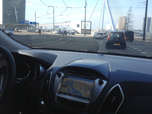 Hyundai_ix35-Hydrogen-Fuel_Cell_Vehicle-driving-Rotterdam