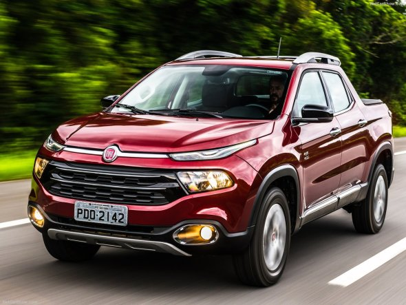 Fiat Toro pick-up front