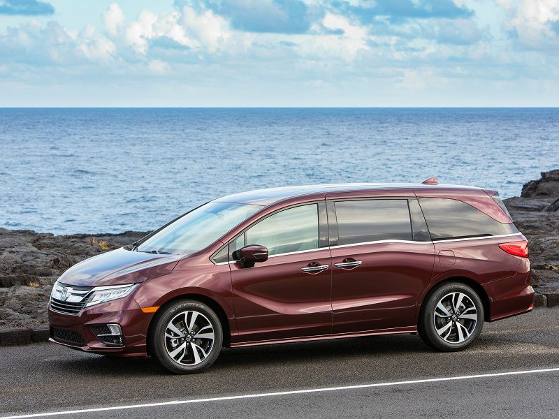 2019-Honda-Odyssey-Burgundy-Parked-Profile