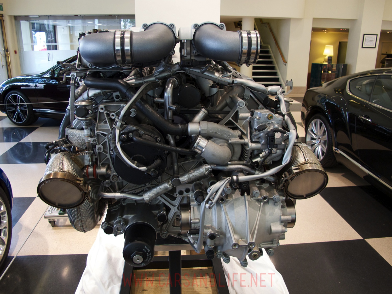 hight resolution of bugatti veyron w16 engine and gearbox at hr owen london rh carsandlife net bugatti veyron engine