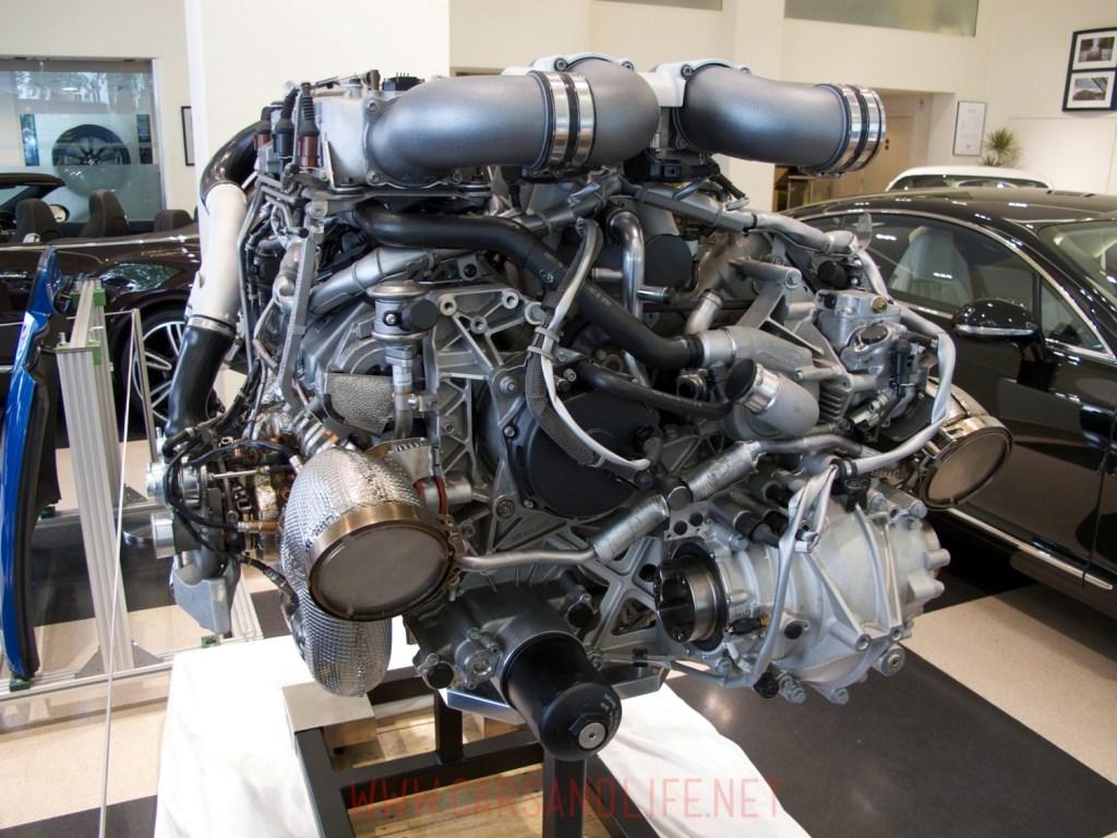 bugatti veyron w12 engine 03