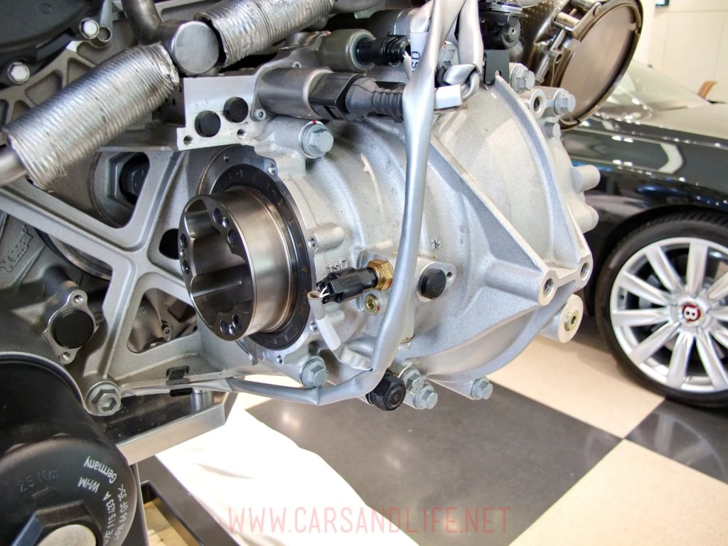 bugatti veyron w12 engine 04