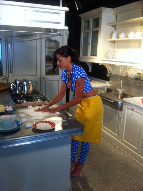 Elisavet Spanou Sexy Housewife