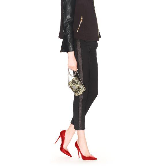http://www.jimmychoo.com/en/women/shoes/anouk/red-patent-pointy-toe-pumps-ANOUKPAT600.html#q=anouk&start=1