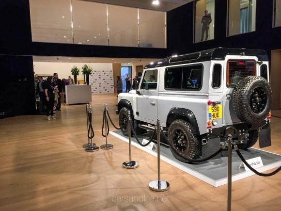 Land Rover Defender 2000000 13