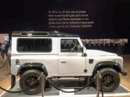 Land Rover Defender 2000000 37