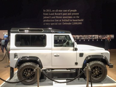 Land Rover Defender 2000000 37