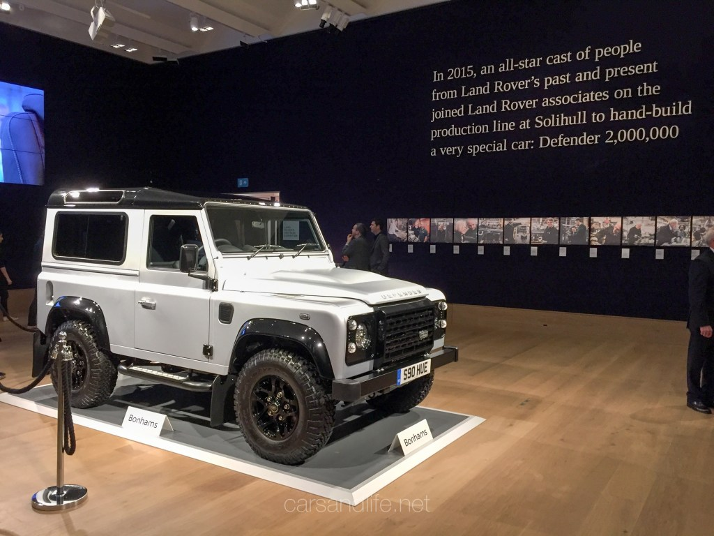 Land Rover Defender 2000000 39