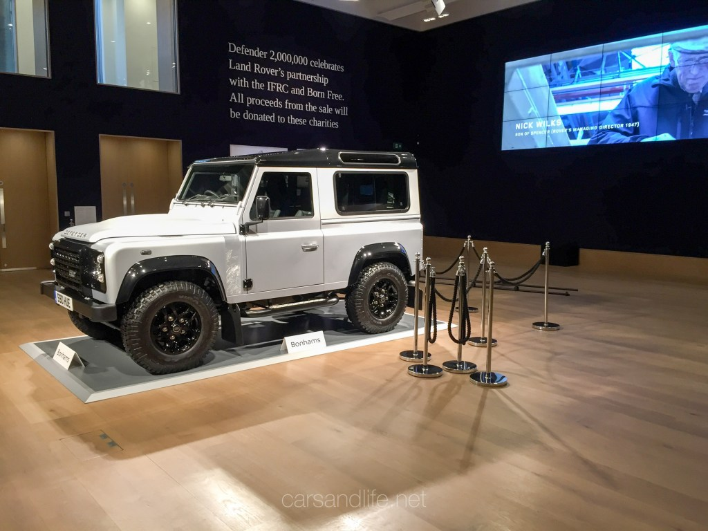 Land Rover Defender 2000000 42