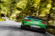 AMG GT R; 2016; Landstraße; Exterrieur: AMG Green Hell magno ;Kraftstoffverbrauch kombiniert: 11,4 l/100 km, CO2-Emissionen kombiniert: 259 g/km AMG GT R; 2016; country road; Exterior: AMG Green Hell magno; Fuel consumption, combined: 11.4 l/100 km, CO2 emissions, combined: 259 g/km