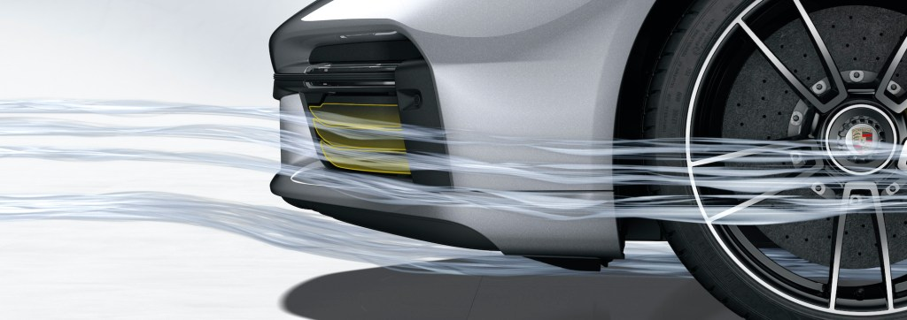 Porsche 911 Turbo S: Porsche Active Aerodynamics (PAA): cooling air flaps closed