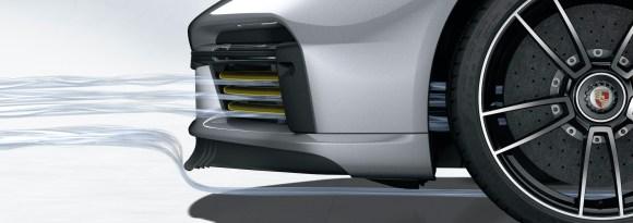 Porsche 911 Turbo S: Porsche Active Aerodynamics (PAA): front spoiler