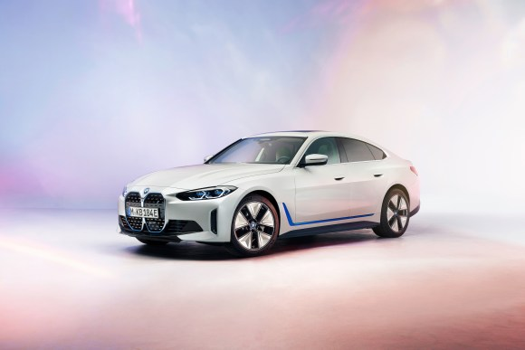 BMW iX4