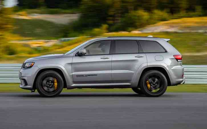 "2022 Jeep Trackhawk Additional or Replacing Features: · 6.2L V-8 Engine · 707 @ 6,000 rpm Horsepower · 645 @ 4,800 rpm Torque · four-wheel Drive type · 20"" black forged aluminum"