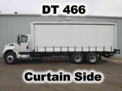 4400 dt466 24ft curtain soft side