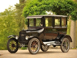 "Ford Model T ""Tin Lizzy"""