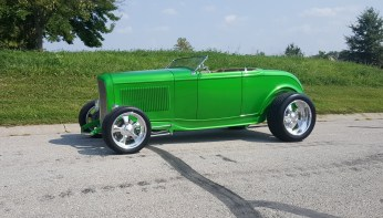 1932_Ford_Roadster.23