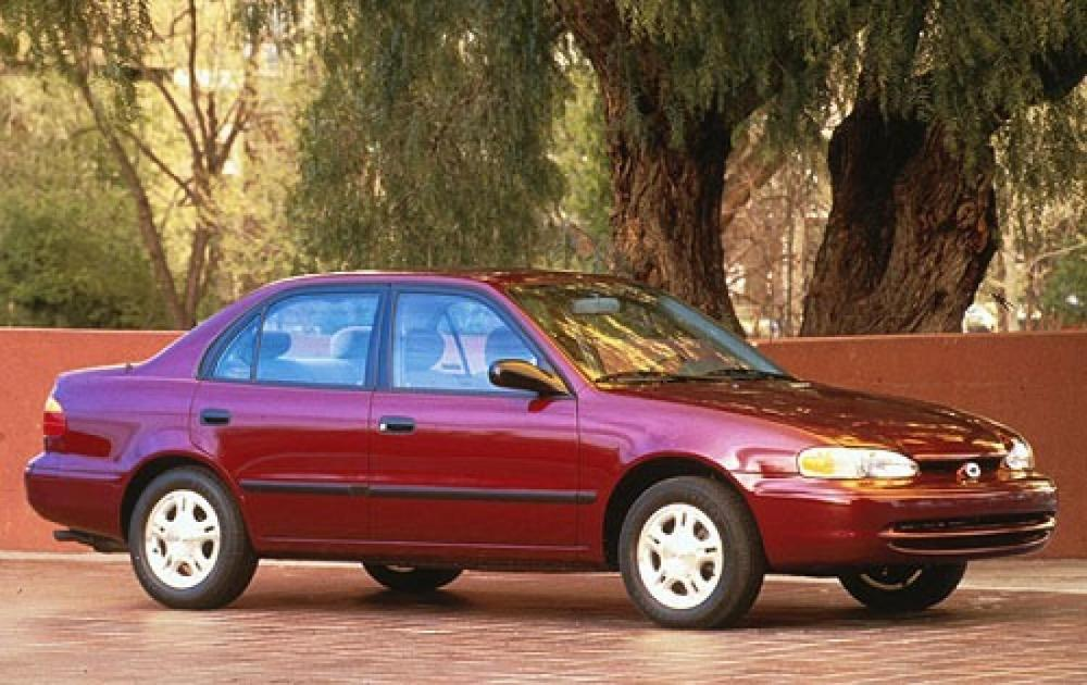 medium resolution of chevrolet prizm 1997 2002 sedan 1
