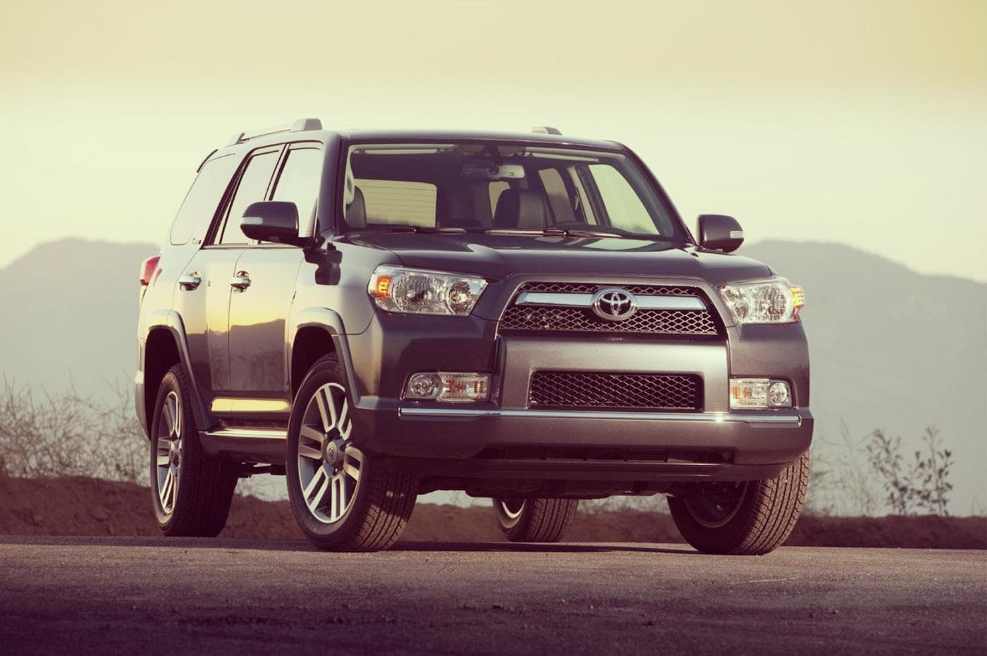 2019 toyota 4runner redesign price specs release date cars sumo. Black Bedroom Furniture Sets. Home Design Ideas