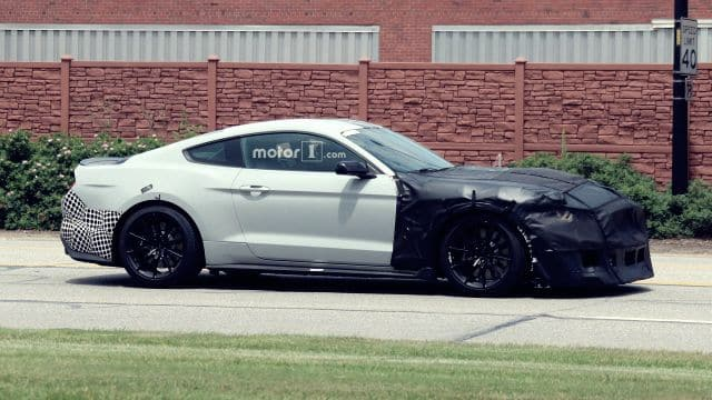 2019 Mustang Shelby GT500 Spied