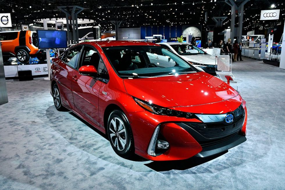 2019 Toyota Prius V Spied with New SUV Body Style - CarsSumo