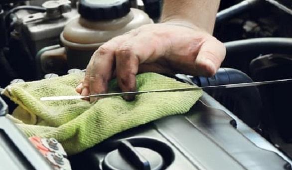 rekomendasi-dan-tips-memilih-oli-mobil-yang-tepat-untuk-kendaraan