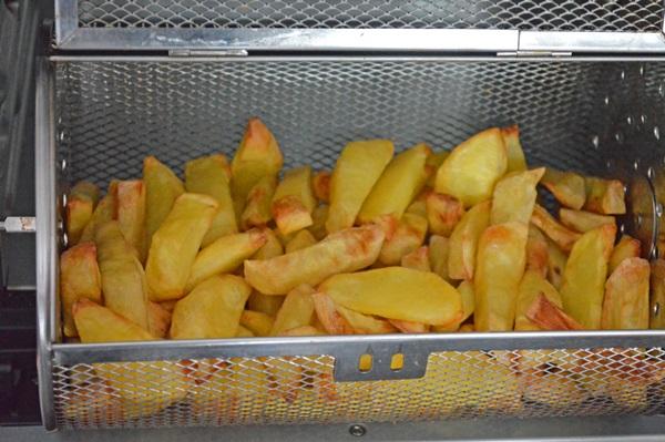 Cartofi prajiti la Breville Air Fryer
