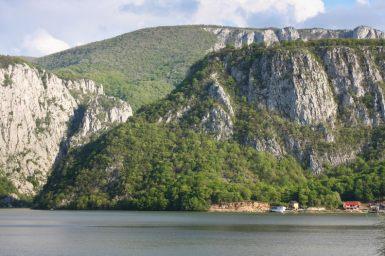 Bazinetul Dubova-Cazanele Dunarii
