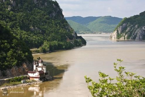 Cu bcicleta prin Cazanele Dunarii - malul sarbesc