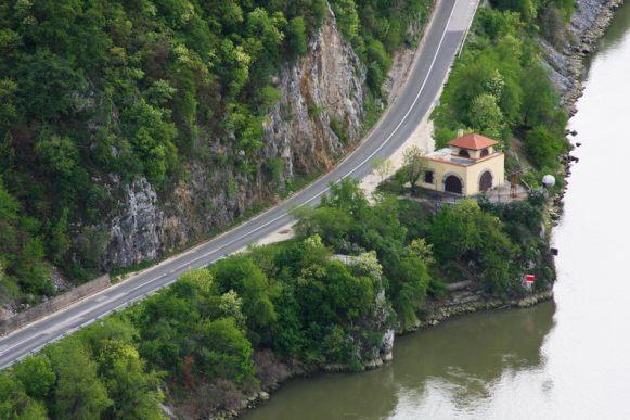 Malul sarbesc - Cazanele Dunarii
