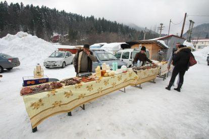 Mini-piata din Cheia - Produse traditionale in Cheia