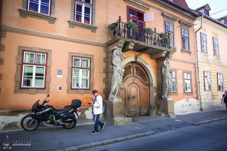 Sibiu - Casa cu cariatide