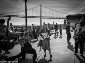 Laura Lackey's Rhythm Revue, Playing for the early morning visitors, San Francisco, 2016