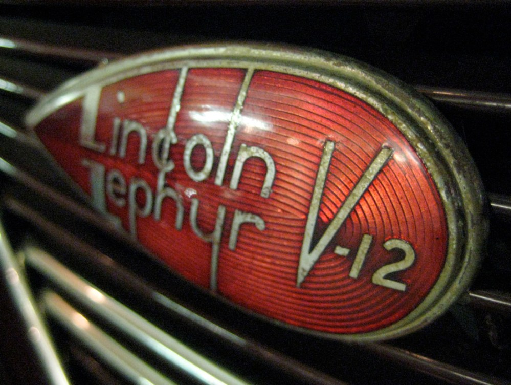 medium resolution of lincoln zephyr v12 emblem touring sedan 2 s 37